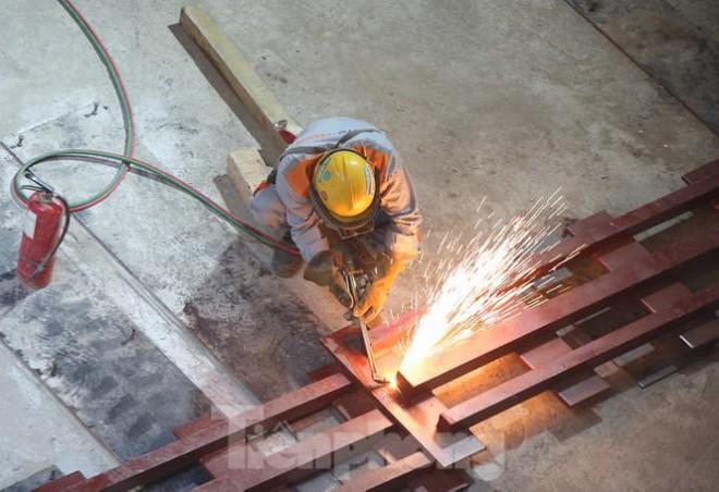 Cận cảnh lắp ráp robot đào hầm 'khủng' nặng 850 tấn thi công Metro Nhổn - ga Hà Nội - 4
