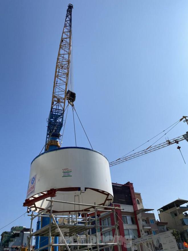 Cận cảnh lắp ráp robot đào hầm 'khủng' nặng 850 tấn thi công Metro Nhổn - ga Hà Nội - 8