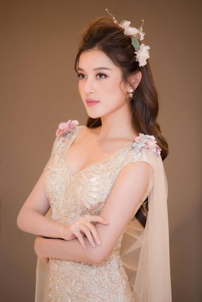 Tái xuất sàn catwalk, Á hậu Huyền My gây thương nhớ với váy công chúa gợi cảm - 6