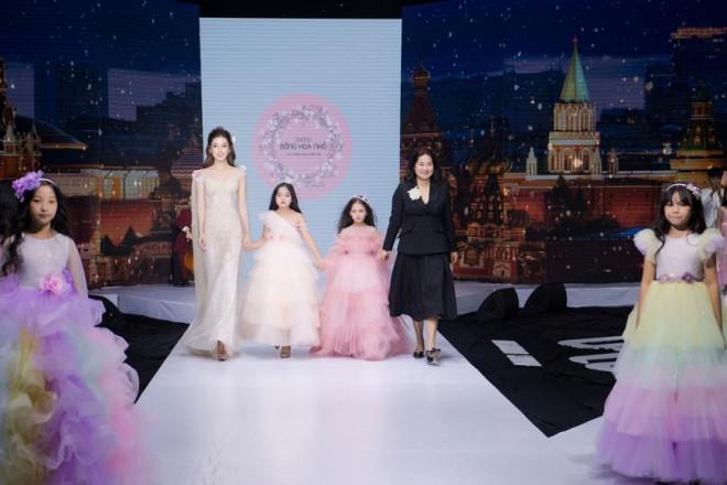 Tái xuất sàn catwalk, Á hậu Huyền My gây thương nhớ với váy công chúa gợi cảm - 12