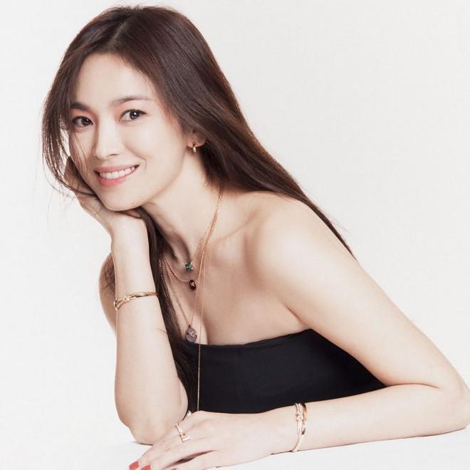 Song Hye Kyo U40 xinh đẹp rạng ngời - 1
