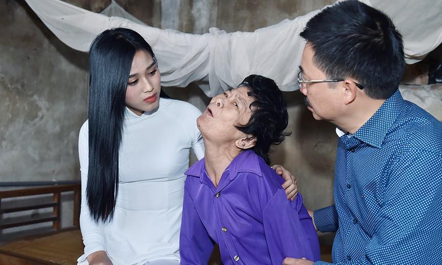 """Chủ tịch xã Cầu Lộc (Thanh Hóa): """"Dân tình phấn khởi chỉ chờ hoa hậu về để đi rước"""" - 6"""