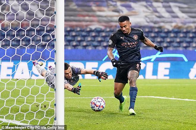 Porto - Man City: Tiếc nuối một loạt pha bỏ lỡ, mất điểm vì VAR (Kết quả Cúp C1) - 1