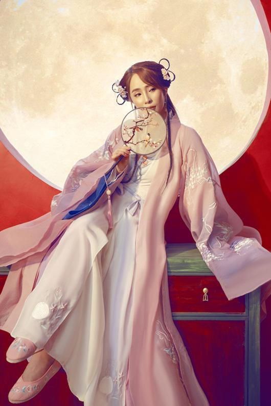 Quỳnh Nga chán mặc gợi cảm, chuyển sang phong cách cổ trang hóa tiên nữ giáng trần - 2