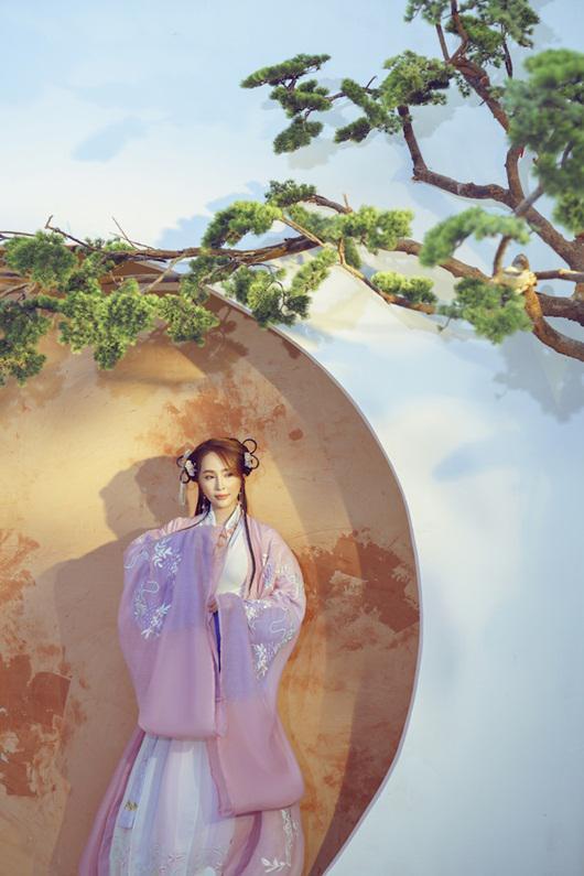 Quỳnh Nga chán mặc gợi cảm, chuyển sang phong cách cổ trang hóa tiên nữ giáng trần - 6
