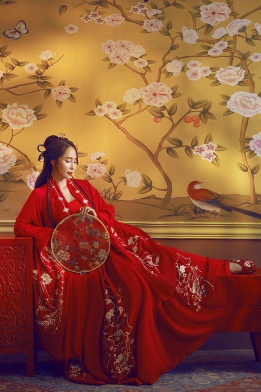 Quỳnh Nga chán mặc gợi cảm, chuyển sang phong cách cổ trang hóa tiên nữ giáng trần - 8