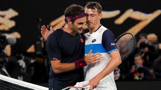 """Kịch chiến hay nhất Grand Slam 2020: Federer vất vả đòi nợ """"kẻ ngáng đường"""" (Bài 2) - 1"""