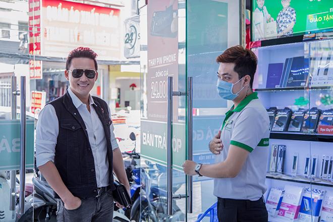 Diễn viên Hà Trí Quang háo hức sắm iPhone 12 Pro Max chính hãng tại 24hStore - 1