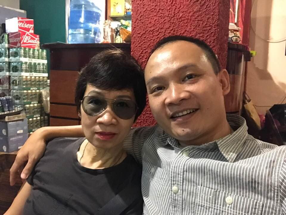 """Bà xã kín tiếng của MC Lại Văn Sâm lộ ảnh mới: Dân mạng bình luận khiến con trai """"đứng hình"""" - 3"""