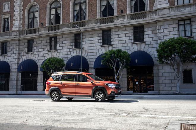 """Suzuki XL7 giảm giá """"chạm đáy"""", thấp nhất từ trước tới giờ - 1"""