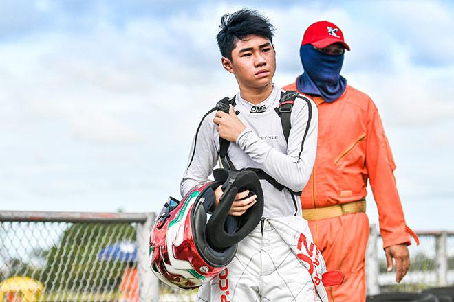 Tay đua Go-Kart trẻ tuổi nhất Việt Nam Doug Phạm nhận học bổng phổ thông Mỹ - 1