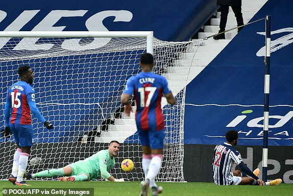 Football Life West Brom - Crystal Palace: Advantage Waiting to Use - 14