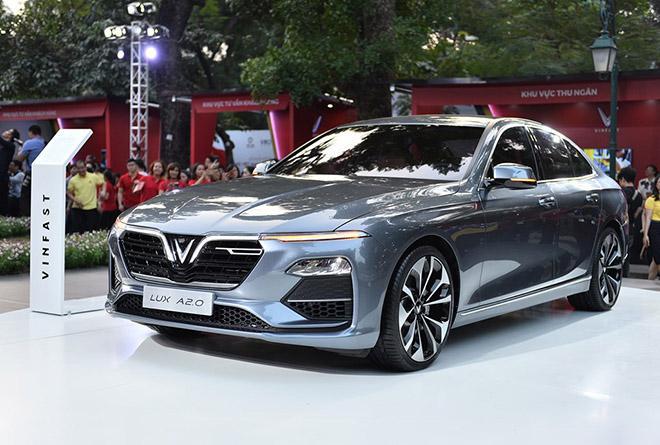 Bảng giá xe VinFast Lux A2.0 lăn bánh tháng 12/2020, ưu đãi 100% phí trước bạ - 1