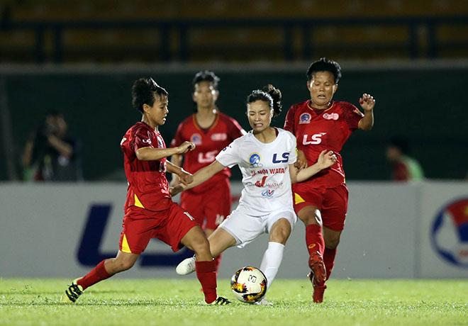 """Nghẹt thở """"chung kết"""" bóng đá nữ: Hải Yến bật khóc, hot girl Hoàng Loan """"thẫn thờ"""" - 1"""