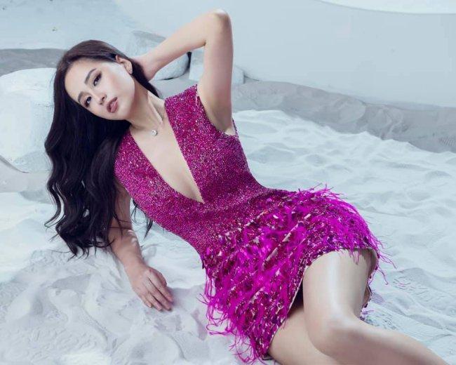 Mai Phương Thúy là một trong những sao Việt thường gặp sự cố hớ hênh vì sở thích ăn mặc gợi cảm.