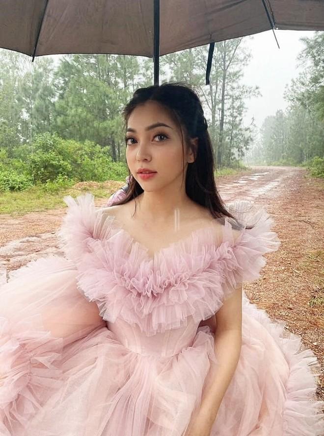 """Khi bị hỏi """"Bao giờ lấy chồng"""", Nhật Lê bất ngờ tung ảnh cưới giữa rừng đẹp xuất sắc - 1"""
