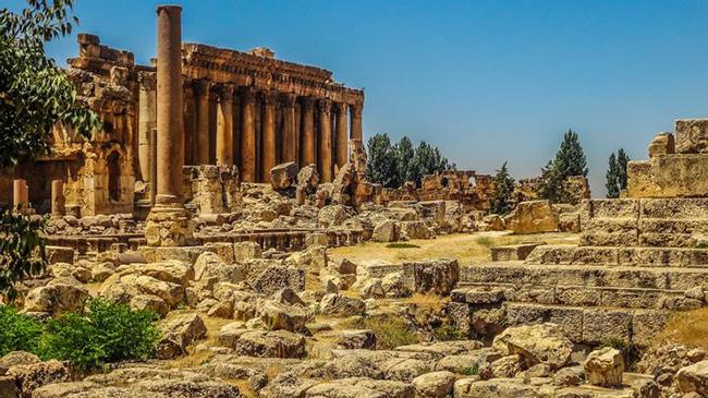 'Thành phố của mặt trời', Baalbek, Lebanon: Đâylà một địa điểm khá độc đáo với những ngôi đền đẹp, cầu thang đá tráng lệ, những khoảng sân ấn tượng.