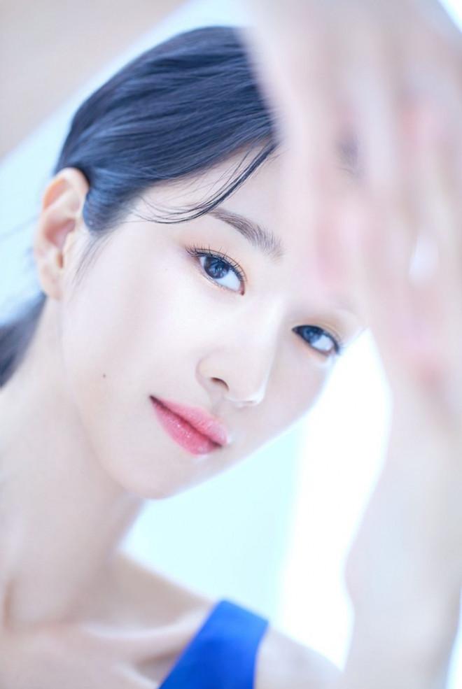 """Seo YeJi đúng là """"lão hóa ngược"""", loạt ảnh quảng cáo mỹ phẩm mới nhất của cô là bằng chứng - 1"""
