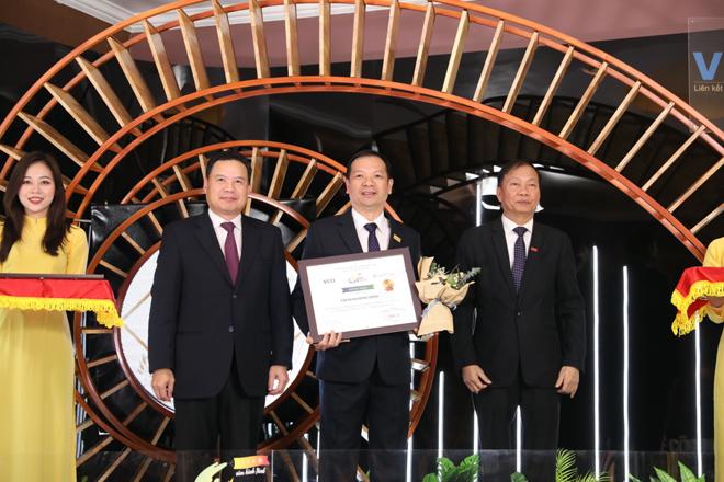 Tập đoàn Hưng Thịnh vinh dự vào Top 10 doanh nghiệp bền vững tại Việt Nam 2020 - 1
