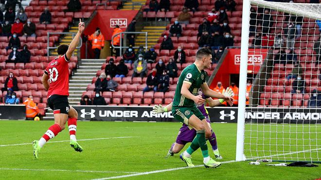 """Video Southampton - Sheffield United: Sức mạnh """"ngựa ô"""", đá bay Chelsea khỏi top 3 - 1"""