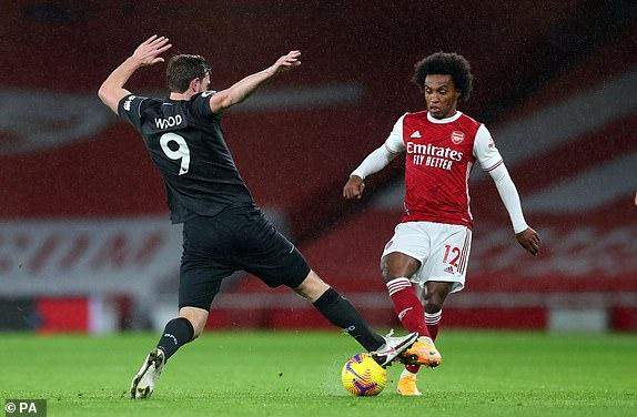 Video Arsenal - Burnley: Thẻ đỏ bước ngoặt, cú phản lưới định đoạt - 1