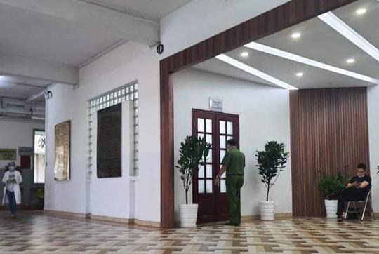UBND TP.HCM đình chỉ 2 lãnh đạo Bệnh viện Mắt TP để phục vụ điều tra của Bộ Công an - 1
