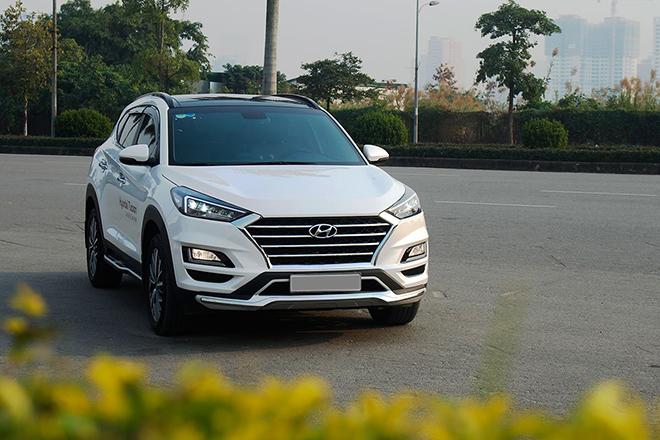 Giá xe Hyundai Tucson lăn bánh tháng 12/2020, giảm 50% phí trước bạ - 1