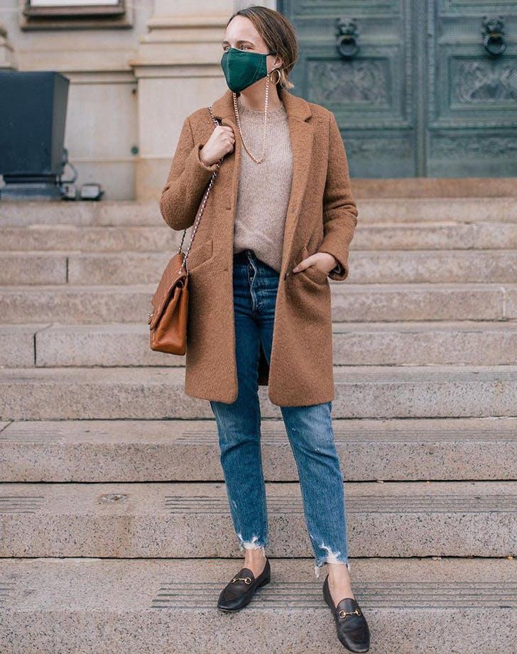8 phong cách đeo khẩu trang cho nàng sành điệu - 1