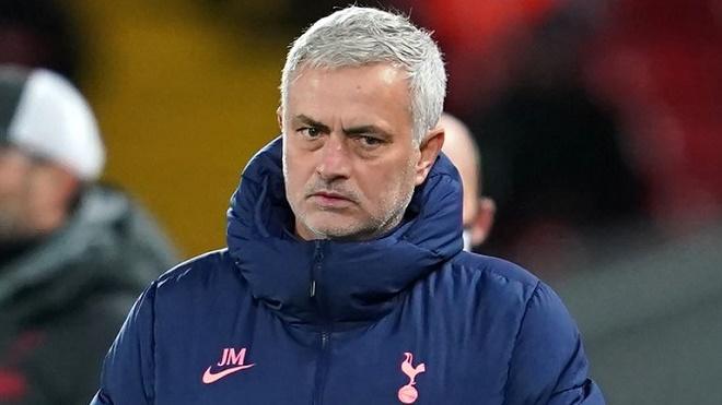 """Tottenham bị chê chỉ biết """"dựng xe bus"""": Mourinho phản pháo cực gắt - 1"""