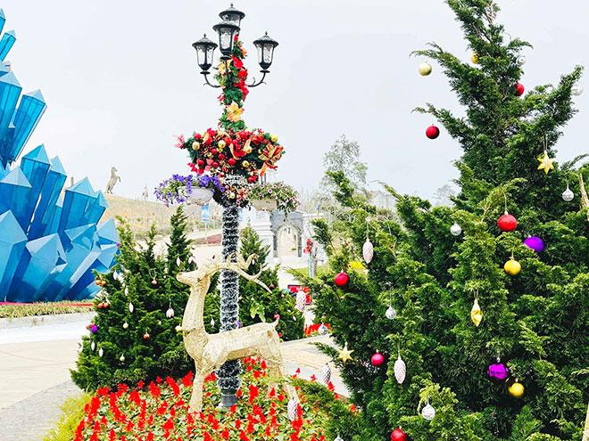 """Đón """"Giáng sinh tuyết trắng"""" tại Lễ hội mùa đông Fansipan - 4"""
