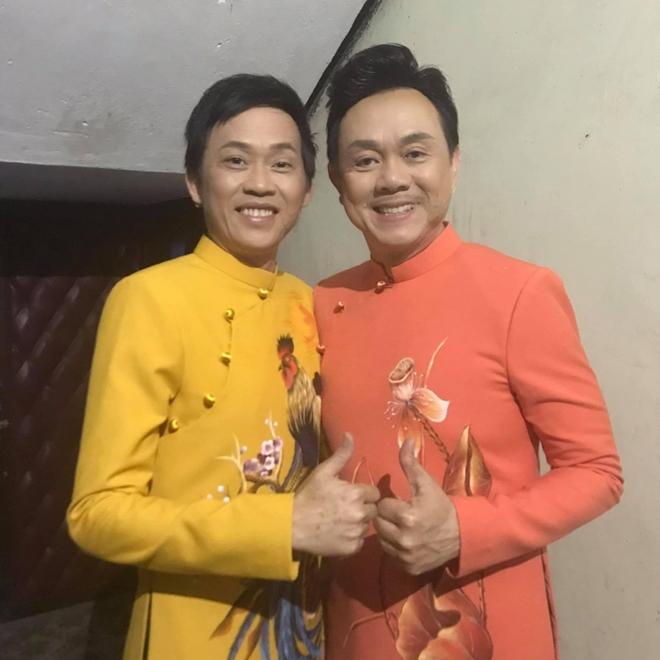 Những bức ảnh triệu like của Hoài Linh: Ba khoảnh khắc với cố nghệ sĩ Chí Tài lập kỷ lục! - 1