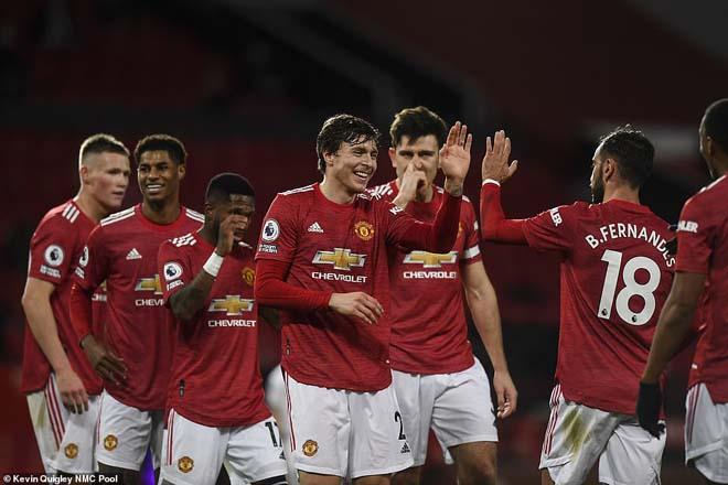 Điểm nóng vòng 14 Ngoại hạng Anh: MU chiến thắng chấn động, đội Mourinho thê thảm - 1