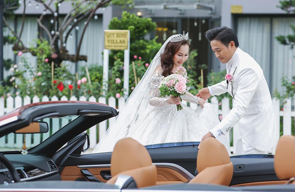 Quý Bình lái xe sang, làm hành động bất ngờ với vợ doanh nhân trong tiệc cưới ở Phú Quốc - 7