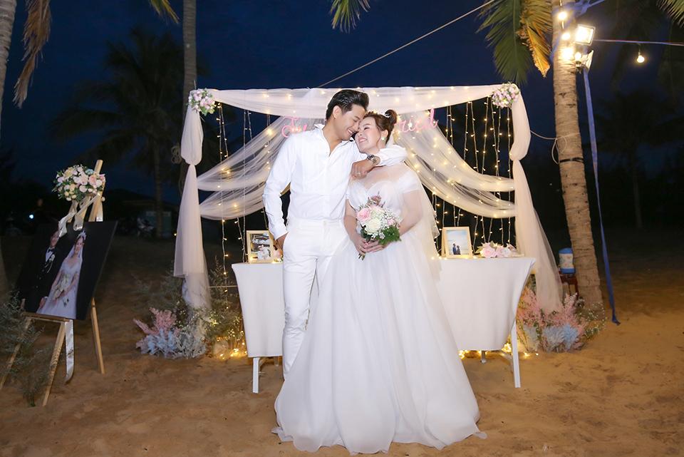 Quý Bình lái xe sang, làm hành động bất ngờ với vợ doanh nhân trong tiệc cưới ở Phú Quốc - 10
