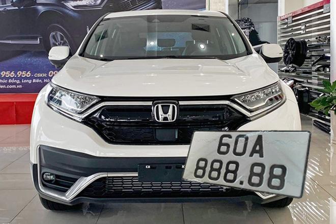 Honda CR-V biển số ngũ quý 8 được chào mua giá gấp 3 lần - 1