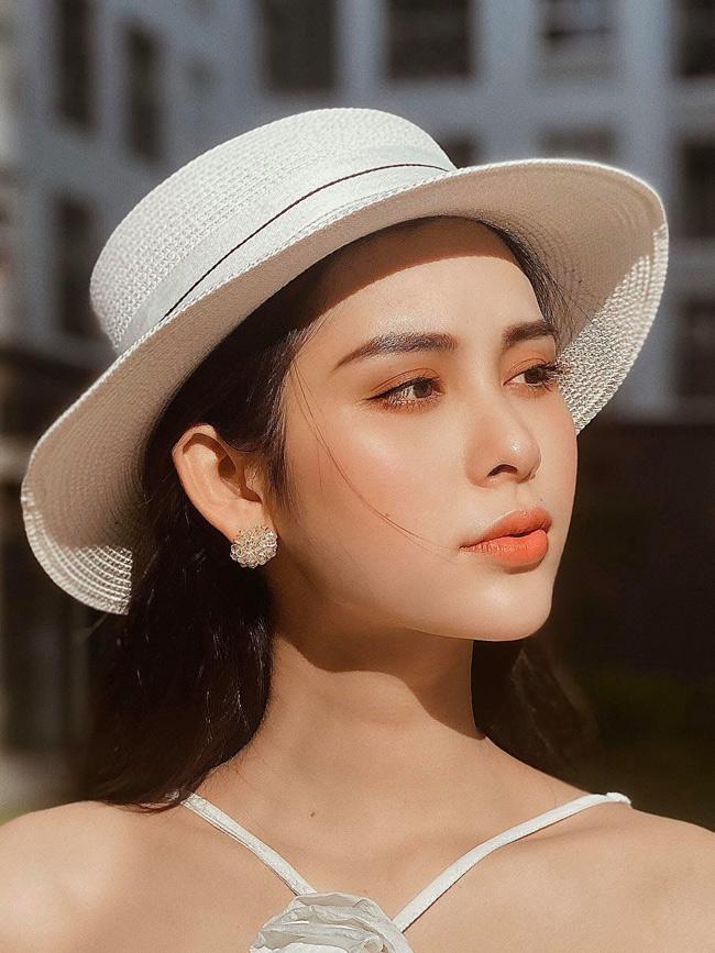 Nguyễn Phạm Tường Vi (sinh năm 1997, quê Đắk Nông) được ví xinh như hoa hậu sau khi chuyển giới.