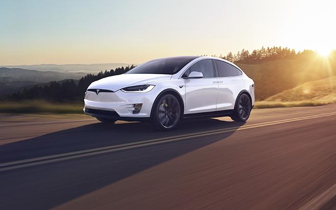 Điểm danh 10 mẫu SUV hạng sang nhanh nhất thế giới năm 2020 - 1