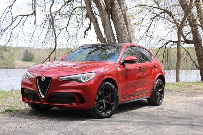 Điểm danh 10 mẫu SUV hạng sang nhanh nhất thế giới năm 2020 - 8