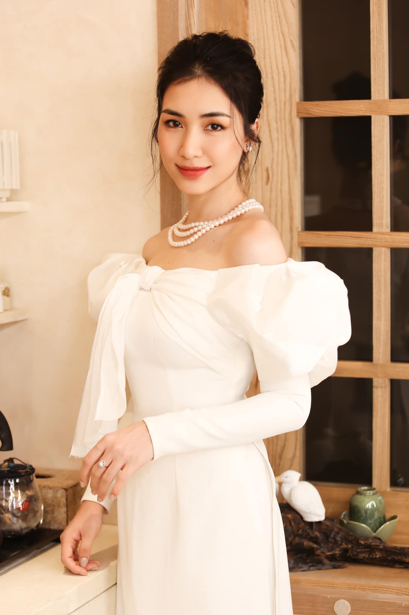 """Sống như """"bà hoàng"""" cùng giám đốc công ty phân bón, Hoà Minzy bất ngờ nói về giải nghệ - 1"""