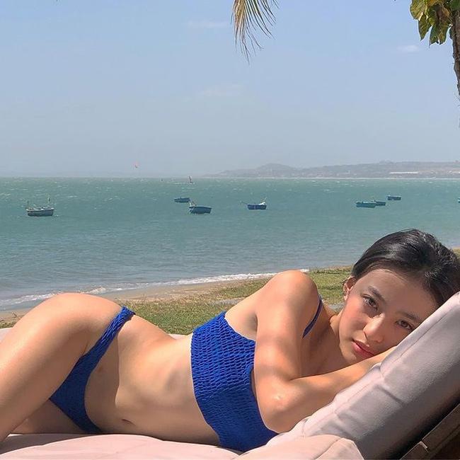 Vóc dáng quyến rũ của hot girl Minh Ngọc.