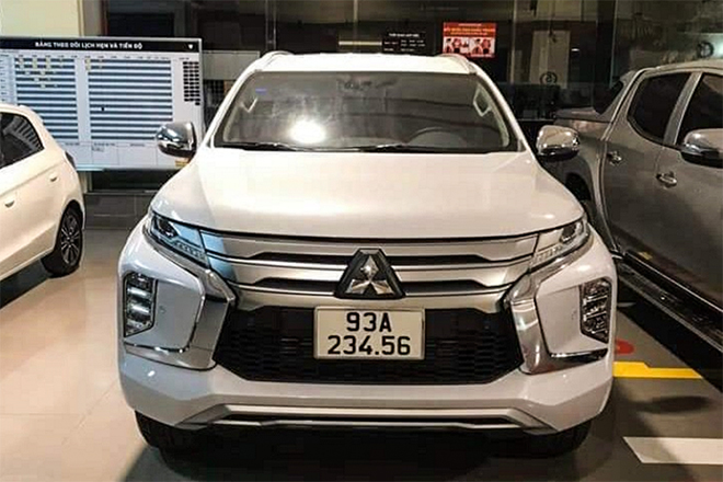 Mitsubishi Pajero Sport biển số độc hét giá 6,5 tỷ đồng - 1