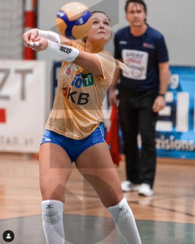 Eva Stabii, 21 tuổi là một VĐV bóng chuyền của CLBKlagenfurt (Áo).