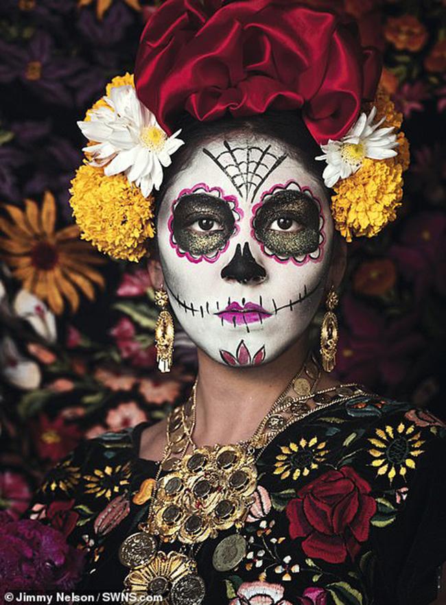 Bộ tộc Zapotec ở Mexico:Nền văn minh của họ có từ khoảng 2.500 năm trước Công nguyên và họ đã bịngười Tây Ban Nha chinh phụcvào thế kỷ 16. Ngày nay có khoảng 1triệu người thuộc nhóm văn hóa này.