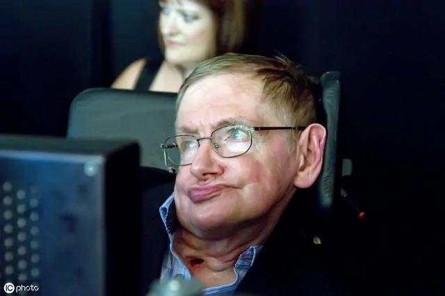 4 bài học của thiên tài Stephen Hawking đáng để các bậc cha mẹ suy ngẫm - 4