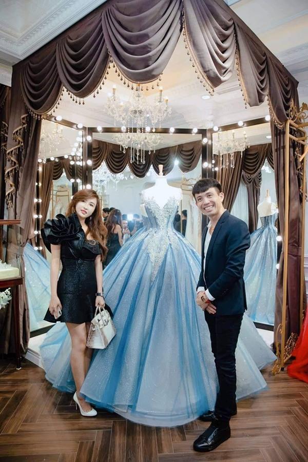 Vợ đại gia Minh Nhựa gây choáng ngợp vì lên đồ giá trị bằng căn biệt thự lên thảm đỏ - 6