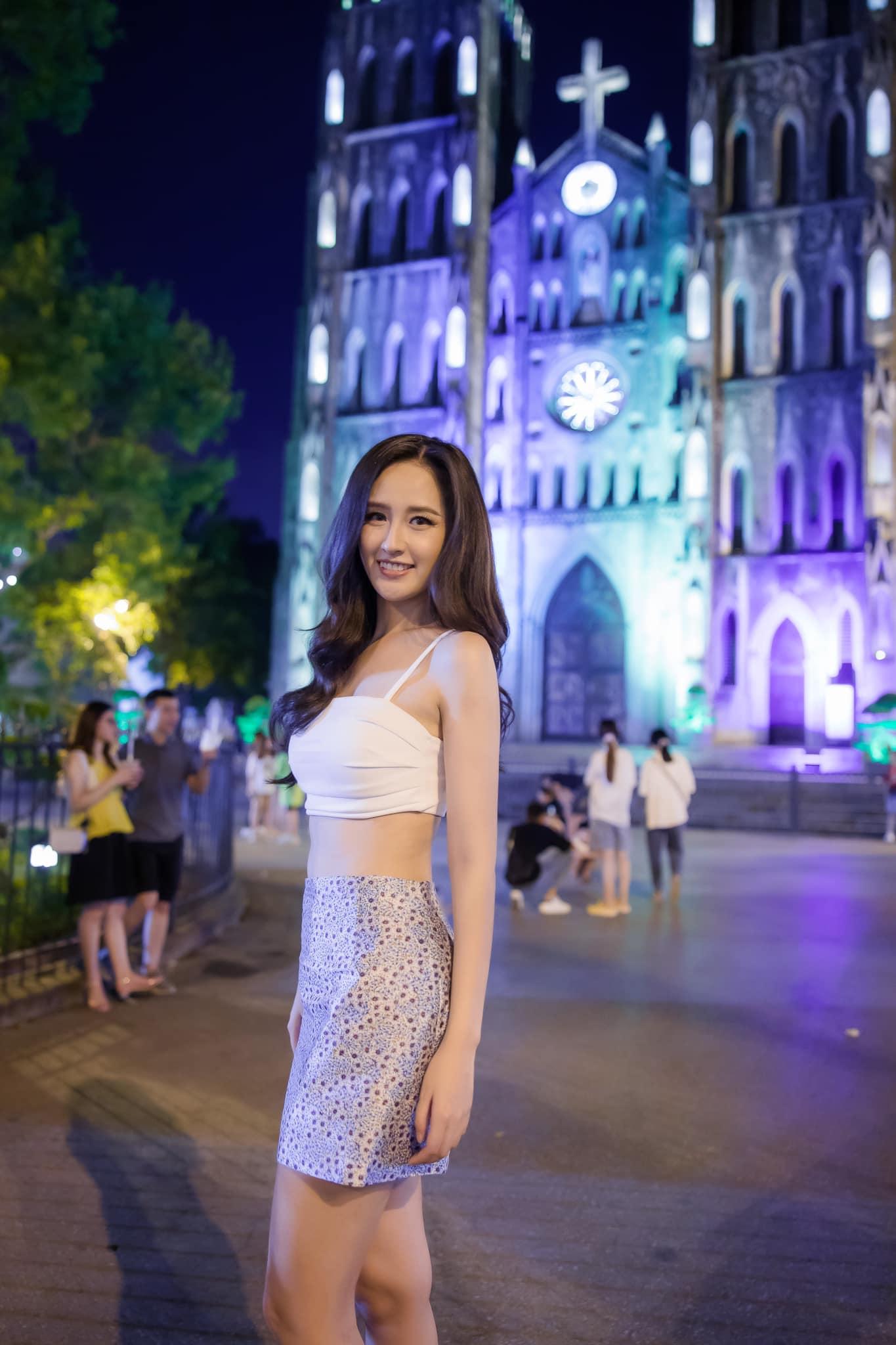 Mai Phương Thuý mặc yếm xuống phố, đeo túi 300 triệu chỉ đề trang trí - 6