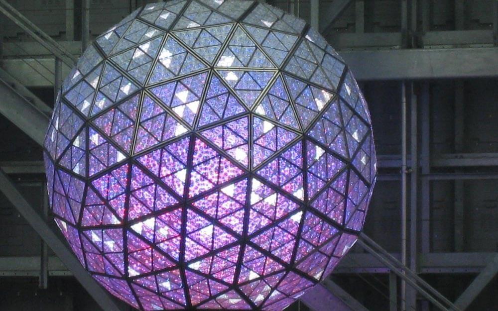 Tại sao đêm giao thừa, người Mỹ lại thả quả bóng khổng lồ tại Quảng trường Thời Đại? - 1