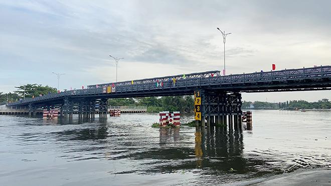 """Cầu sắt bạc tỷ nối 2 quận ở TP.HCM, xóa cảnh """"qua sông phải lụy đò"""" - 1"""