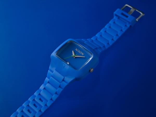 """""""Ngạc nhiên"""" với đồng hồ cao su Nixon - 2"""