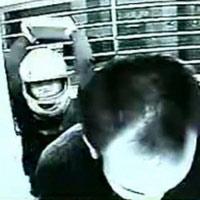 Hai phụ nữ dùng gạch hành hung CSGT_ - 1